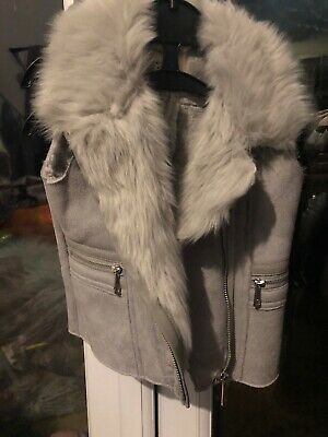 River island girls grey gilet with fur 3-4