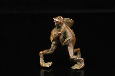 China Old Collectible Hand Engraving Bronze Frog Statue Gift Desktop Decoration