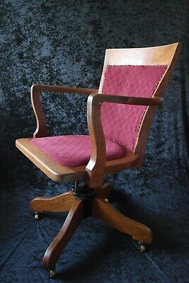 Early 20th Century 1930 s Antique Oak Revolving Wooden Office Desk Chair