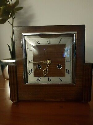 Stunning Vintage Wooden Mantle Clock