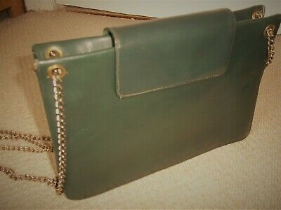 STUNNING VINTAGE/RETRO 1960's CLASSIC GREEN LEATHER BOXY SHOULDER BAG