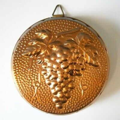 VINTAGE KITCHEN CLASSIC LARGE ROUND COPPER PLATED MOULD with GRAPES