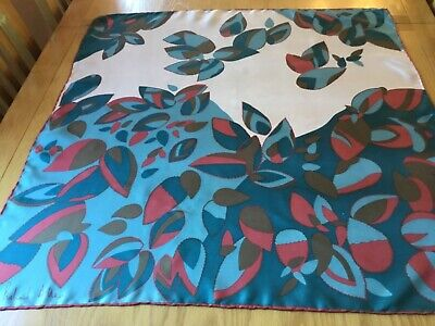 VINTAGE RICHARD ALLAN HAND ROLLED SILK SCARF.  LEAVES!  VGC.  29 x 29 INCHES. …