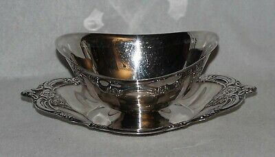 Oneida Silverplate Sauce/Gravy Boat, Attached Underplate