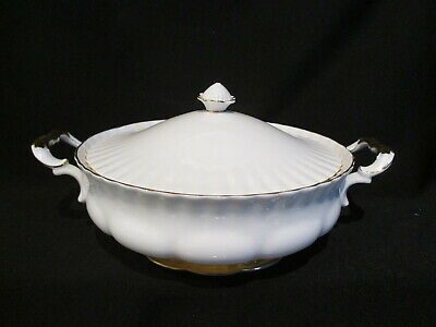 Royal Albert - VAL D'OR - Covered Vegetable Bowl