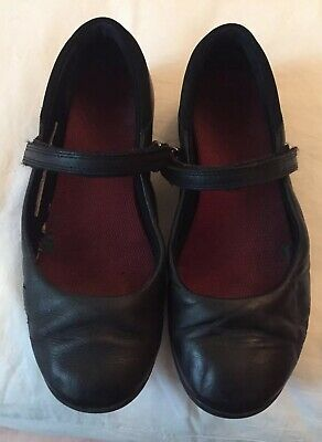 Clarks Leather Black Girls School Shoes. 2.5 H.