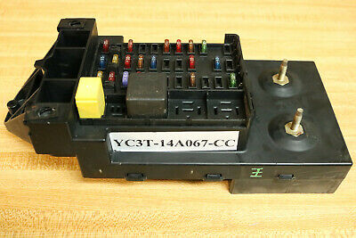 1999 2001 99 01 Ford F-250 F-350  Fuse Relay Junction Dash Panel Box Block!!!