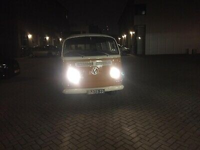 Volkswagen T2A deluxe with sunroof