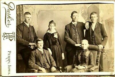 Victorian Cabinet Photograph~Attractive IOWA Family~Perry~Photographer Parker