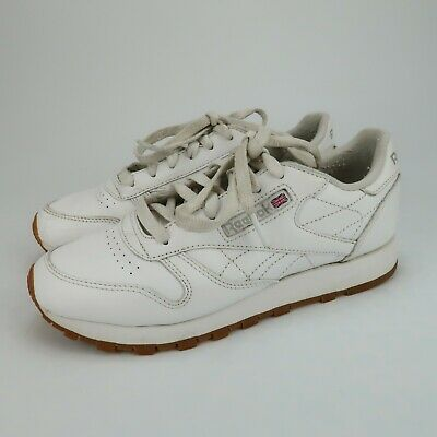 Reebok Classic CL Leather Womens Shoes White Gum Soles Size 6 49801