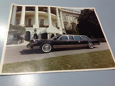 Arrival of the Presidential Limousine at White House New 8x10 Pictur