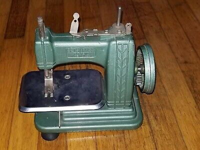 """Betsy Ross"" Miniature Hand Crank sewing Machine. Missing parts READ Description"