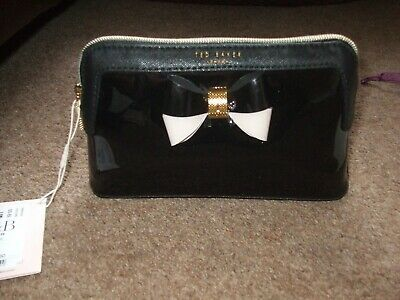 BNWT Ted Baker Genuine Triangle Washbag/Toiletry/ Make Up Bag Large Black.