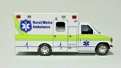 """H0 Ford E-350 Ambulance Busch 41847-1//87 Wyoming Medical Center /""""Moose/"""""""