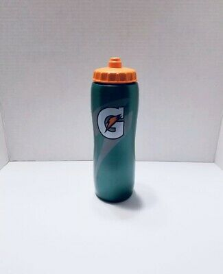 2 pack of Gatorade Contour Squeeze Bottles 32oz Sports Water Bottle -