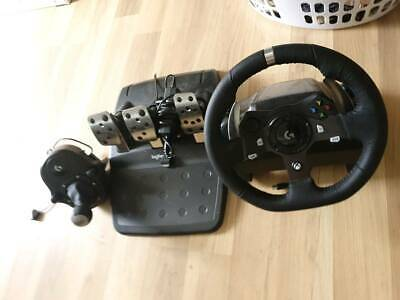 Logitech g920 xbox steering wheel with shifter