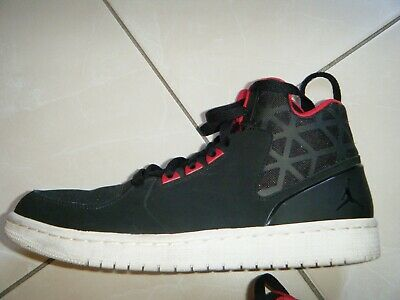 NIKE AIR JORDAN noires et rouges P42 BASKETS HOMME EUR 45