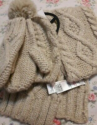 Bnwt M&S Childrens Unisex Winter  Hat,Scalf,Gloves Knitted With Alpacca 3/6 Year