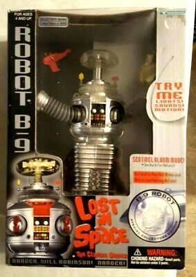 Lost in Space Robot B9 Chrome with Red Pistol in Box 1997 Trendmasters