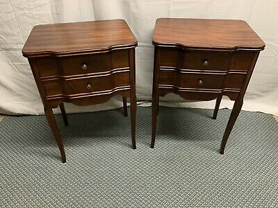 Antique Vintage Pair of Mahogany Night Stands Side End Tables