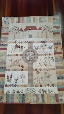 Chateau Hexagon Wall Hanging - design by Lynette Anderson