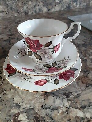 Queen Charlotte fine Bone China tea set cup saucer and plate 16cm.
