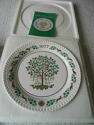 Vintage boxed the eighth Spode china Christmas Plate - 1977