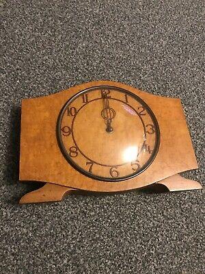 Vintage Wooden Mantle Clock, Table Clock, Antique Clock. Made In Great Britain.