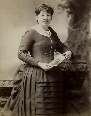 Antique Photo Cabinet Card LOVELY WOMAN FASHION by CASTOR BROS CARTHAGE MISSOURI