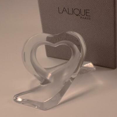 Lalique Coeur Rubans Heart Ribbon Clear Frosted Crystal Paperweight Figurine