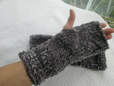 Mittens Fingerless Gloves Hand Wrist Arm Warmers Hand Knit Soft Lavender Gray