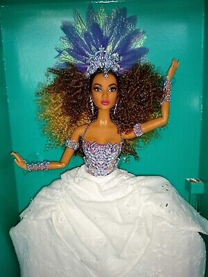Barbie LUCIANA DOLL BRAZIL 2016 GLOBAL GLAMOUR COLLECTION NEW GOLD LABEL DGW47