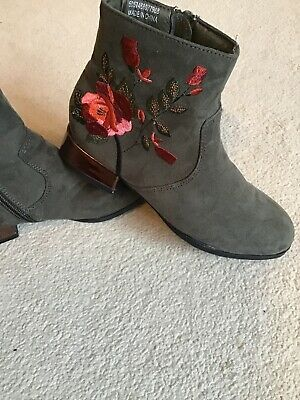Used Kids Boots Size 12