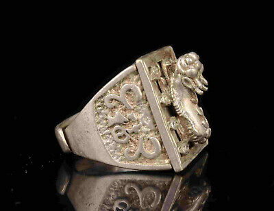 China Old Collectible Hand Engraving Tibetan Silver Lion Statue Ring Gift