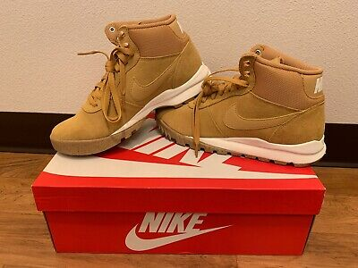 Nike Hoodland Suede Boots Tan//White