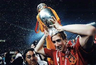 Fernando TORRES Signed Autograph 12x8 Photo 1 AFTAL COA Spain Cup Winner Spanish
