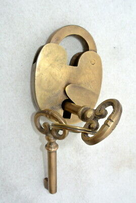 small old vintge stye Padlock solid 100% brass aged patina 2 keys heavy lock