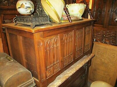 Early 20Th Late 19Th Century English Century Gothic Oak Trunk