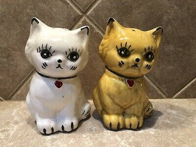 Vintage Ceramic Cat Salt And Pepper Shakers Heart Collars