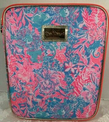 Lilly Pulitzer Zip Folio Featured in Viva La Lilly Pattern Retail $42.00 NWT (1)