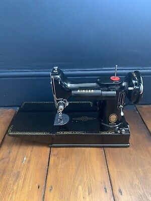 Singer Sewing Machine 221K1 Rotary Hook Electric Portable Vintage Antique