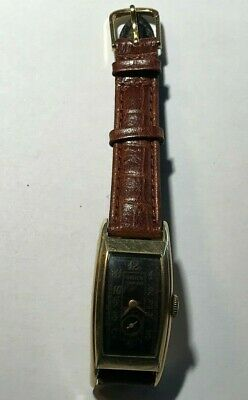 Beautiful OLD Gruen Curvex Men Wrist Watch W/10Kt. Gold  Filled Case,Nice Band