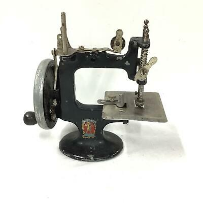 Peter Pan Model O Child's Sewing Machine Made in Australia #710