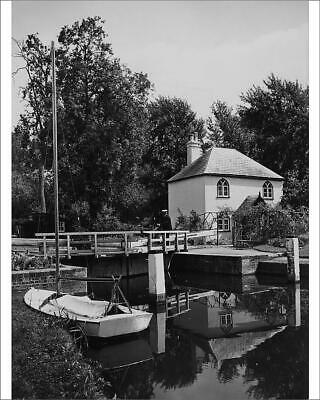 "10""x8"" (25x20cm) Print of Whitchurch Lock, Pangbourne, August 1939"
