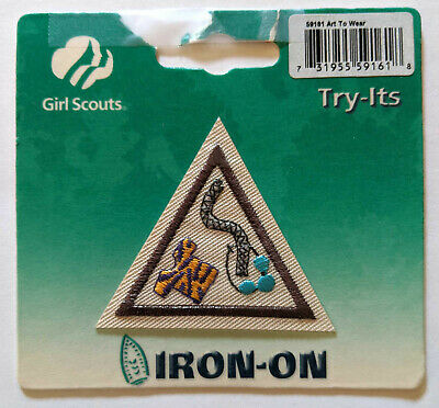 Retired Girl Scout Brownie ALL IN THE FAMILY TRY-IT Heritage History Badge Patch