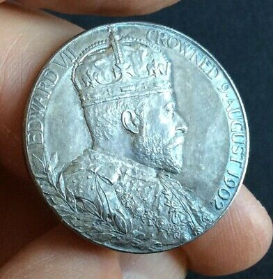 Edward VII : 1902 Silver Coronation Medal - 31mm   (Ref:A)