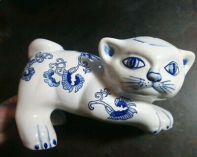 CHINESE ORIENTAL PORCELAIN Clay LARGE BLUE WHITE Resting Playfully CAT FIGURINE