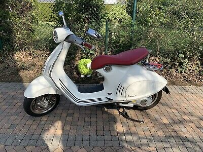 Vespa 946 Ricordo Italiano limited edition weiss/rot  - NUR ABHOLUNG -