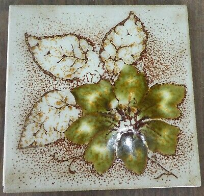 """Vintage Italy Green Flower White Leaves Tile 5-7/8"""" Very good condition PR4"""
