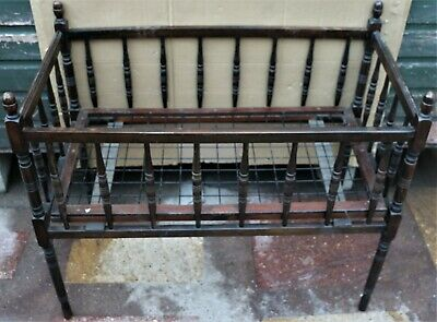 Very Old Looking Childs Turned Wooden Cot Ideal To Display Dolls Or Teddies In